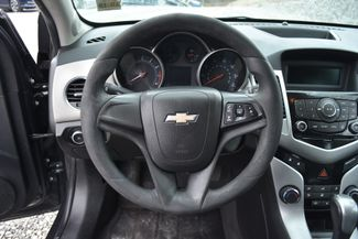2014 Chevrolet Cruze LS Naugatuck, Connecticut 8