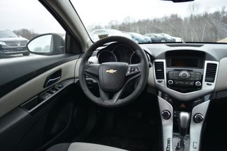 2014 Chevrolet Cruze LS Naugatuck, Connecticut 3
