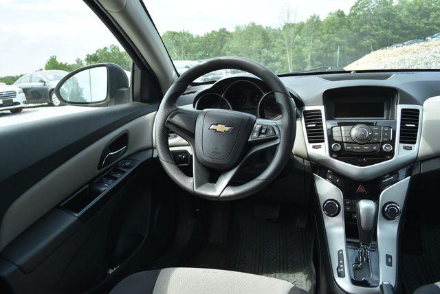 2014 Chevrolet Cruze LS Naugatuck, Connecticut 15