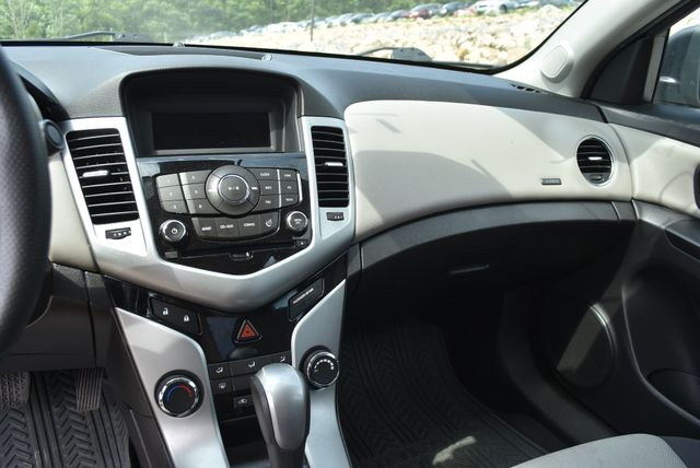 2014 Chevrolet Cruze LS Naugatuck, Connecticut 20