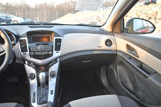 2014 Chevrolet Cruze LS Naugatuck, Connecticut 12