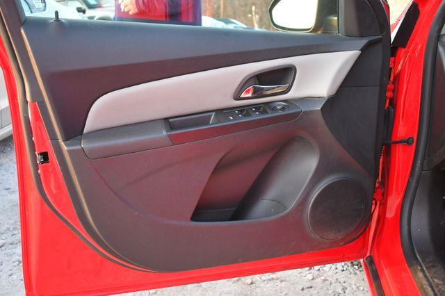 2014 Chevrolet Cruze LS Naugatuck, Connecticut 13