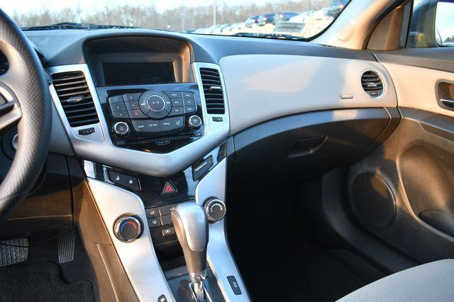 2014 Chevrolet Cruze LS Naugatuck, Connecticut 16