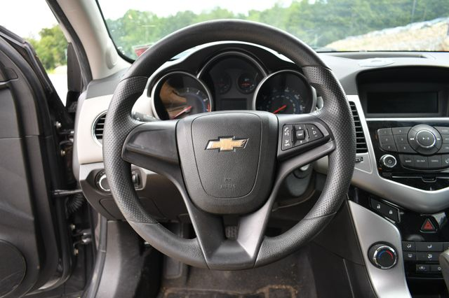 2014 Chevrolet Cruze LS Naugatuck, Connecticut 17