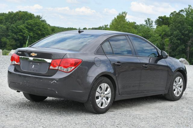 2014 Chevrolet Cruze LS Naugatuck, Connecticut 4