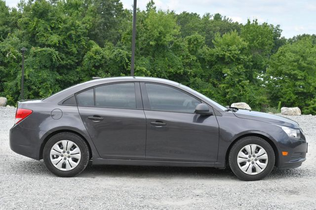 2014 Chevrolet Cruze LS Naugatuck, Connecticut 5
