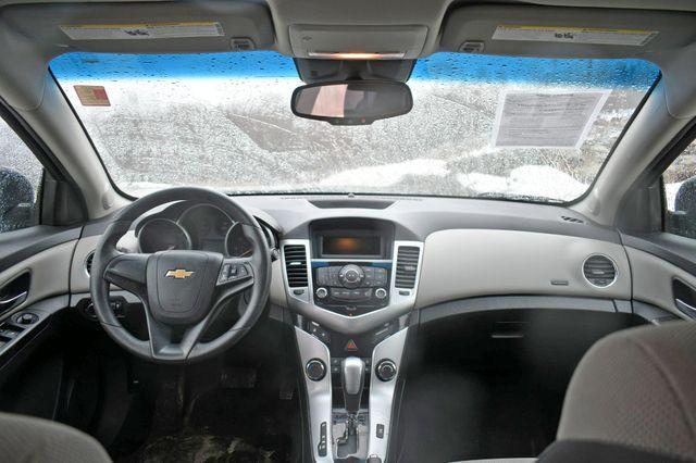 2014 Chevrolet Cruze LS Naugatuck, Connecticut 3