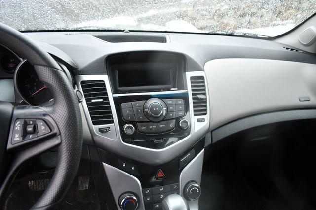 2014 Chevrolet Cruze LS Naugatuck, Connecticut 5