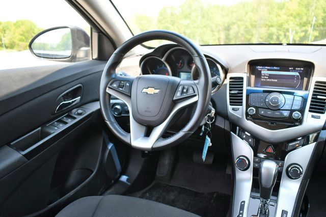 2014 Chevrolet Cruze 1LT Naugatuck, Connecticut 15