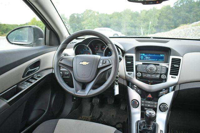2014 Chevrolet Cruze LS Naugatuck, Connecticut 17