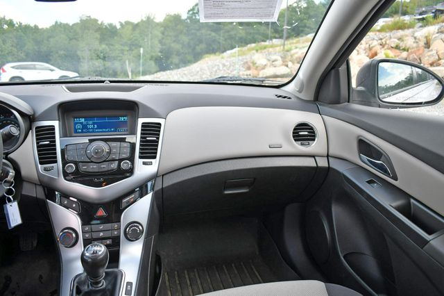 2014 Chevrolet Cruze LS Naugatuck, Connecticut 19