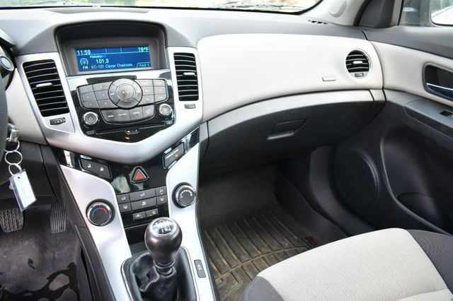 2014 Chevrolet Cruze LS Naugatuck, Connecticut 23