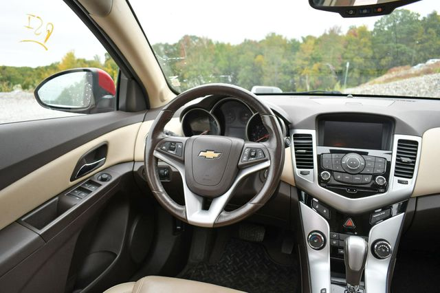 2014 Chevrolet Cruze 2LT Naugatuck, Connecticut 17