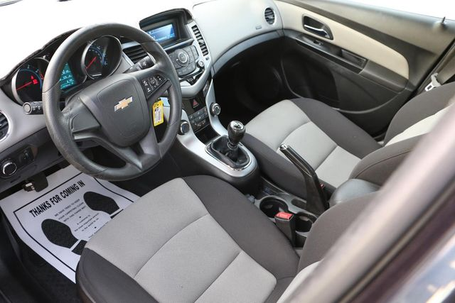2014 Chevrolet Cruze LS Santa Clarita, CA 8