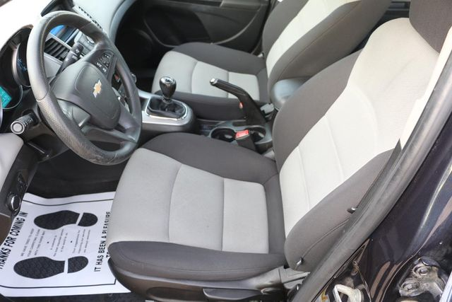 2014 Chevrolet Cruze LS Santa Clarita, CA 13