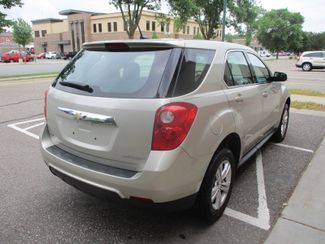 2014 Chevrolet Equinox LS Farmington, MN 1