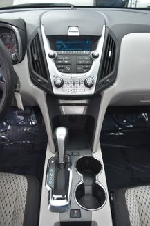 2014 Chevrolet Equinox LS Waterbury, Connecticut 32