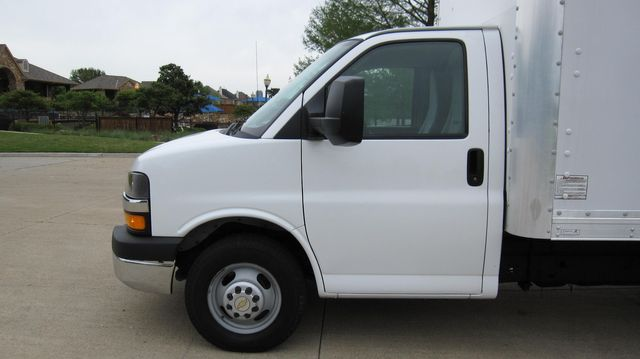 2014 Chevrolet Express 14' Cutaway Delivery Moving Straight Box Truck W/ Maxon Liftgate Irving, Texas 11