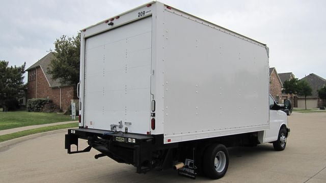 2014 Chevrolet Express 14' Cutaway Delivery Moving Straight Box Truck W/ Maxon Liftgate Irving, Texas 14