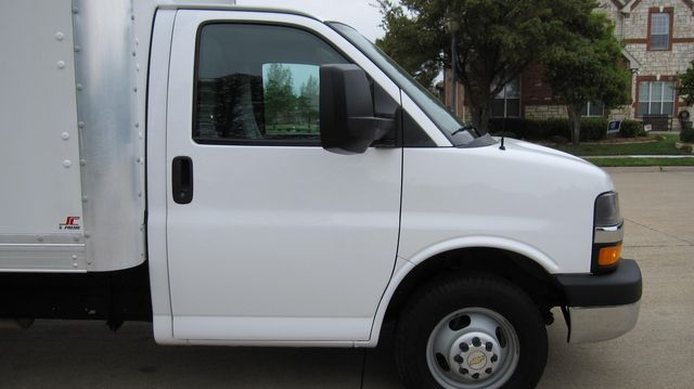 2014 Chevrolet Express 14' Cutaway Delivery Moving Straight Box Truck W/ Maxon Liftgate Irving, Texas 17