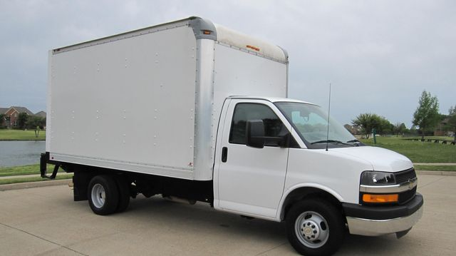 2014 Chevrolet Express 14' Cutaway Delivery Moving Straight Box Truck W/ Maxon Liftgate Irving, Texas 18