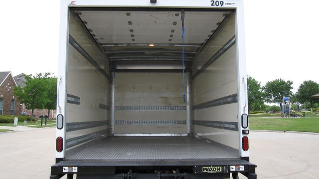 2014 Chevrolet Express 14' Cutaway Delivery Moving Straight Box Truck W/ Maxon Liftgate Irving, Texas 20