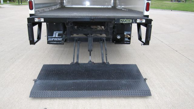 2014 Chevrolet Express 14' Cutaway Delivery Moving Straight Box Truck W/ Maxon Liftgate Irving, Texas 25
