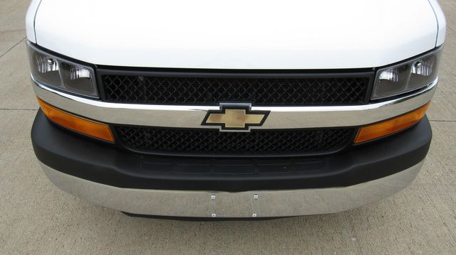 2014 Chevrolet Express 14' Cutaway Delivery Moving Straight Box Truck W/ Maxon Liftgate Irving, Texas 5
