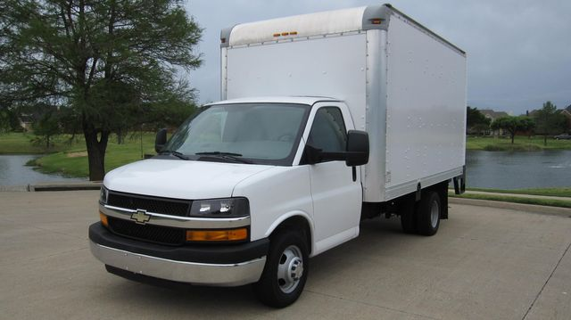 2014 Chevrolet Express 14' Cutaway Delivery Moving Straight Box Truck W/ Maxon Liftgate Irving, Texas 6