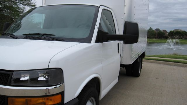 2014 Chevrolet Express 14' Cutaway Delivery Moving Straight Box Truck W/ Maxon Liftgate Irving, Texas 7