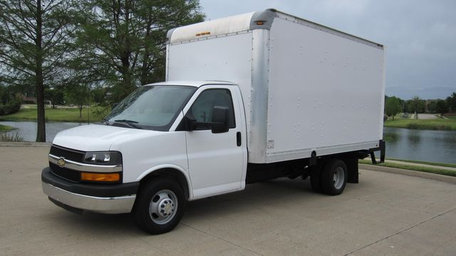 2014 Chevrolet Express 14' Cutaway Delivery Moving Straight Box Truck W/ Maxon Liftgate Irving, Texas 9