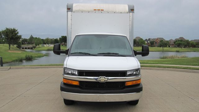 2014 Chevrolet Express 14' Cutaway Delivery Moving Straight Box Truck W/ Maxon Liftgate Irving, Texas 4
