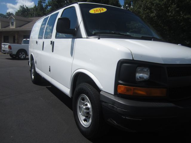 2014 Chevrolet Express Cargo Van Batesville, Mississippi 8