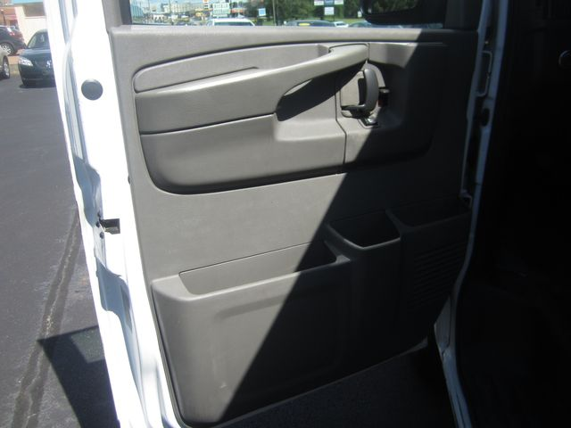 2014 Chevrolet Express Cargo Van Batesville, Mississippi 18