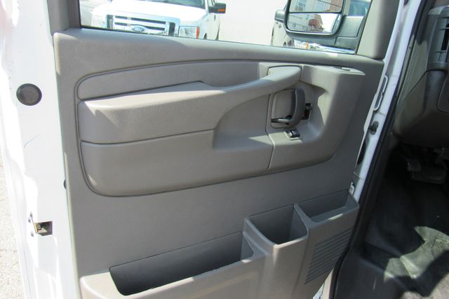 2014 Chevrolet Express Cargo Van Chicago, Illinois 21
