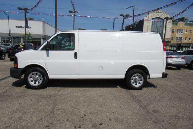 2014 Chevrolet Express Cargo Van Chicago, Illinois 3