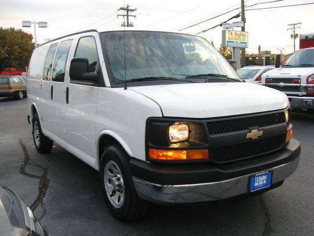 2014 Chevrolet Express Cargo Van Richmond, Virginia 3