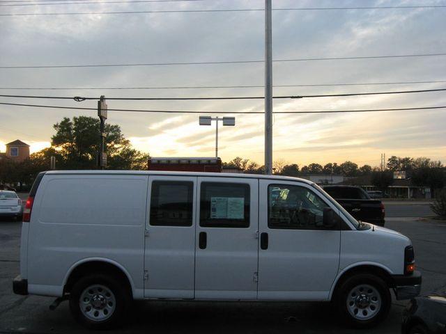 2014 Chevrolet Express Cargo Van Richmond, Virginia 4