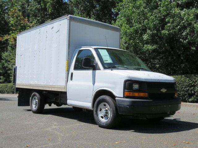 2014 Chevrolet Express Commercial Cutaway Work Van