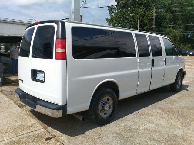2014 Chevrolet Express Passenger LT Houston, Mississippi 3