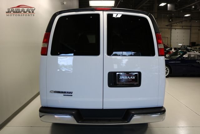 2014 Chevrolet Express Passenger LT Merrillville, Indiana 3