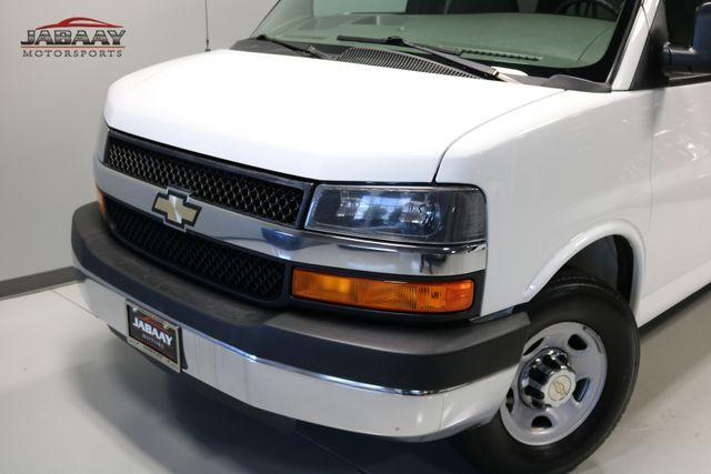 2014 Chevrolet Express Passenger LT Merrillville, Indiana 25
