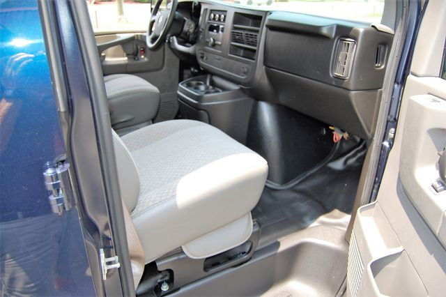 2014 Chevrolet G1500 Cargo Van Charlotte, North Carolina 6