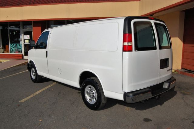 2014 Chevrolet G2500 Cargo Van Charlotte, North Carolina 3