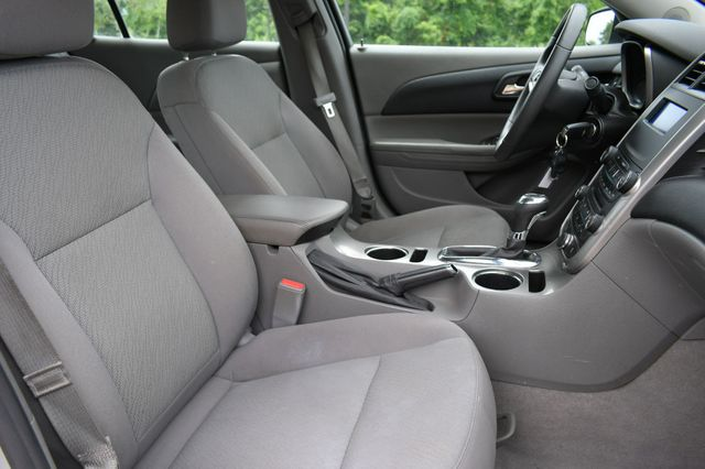 2014 Chevrolet Malibu LS Naugatuck, Connecticut 10