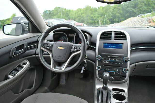 2014 Chevrolet Malibu LS Naugatuck, Connecticut 17