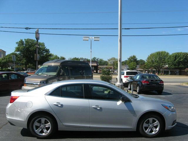 2014 Chevrolet Malibu LS Richmond, Virginia 4