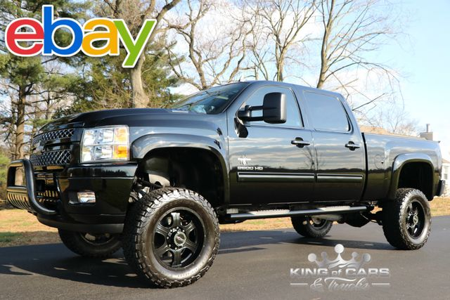2014 Chevrolet Silverado 2500 LTZ 6.6L DIESEL 61K MILES 4X4 LIFTED BLACK WIDOW RARE