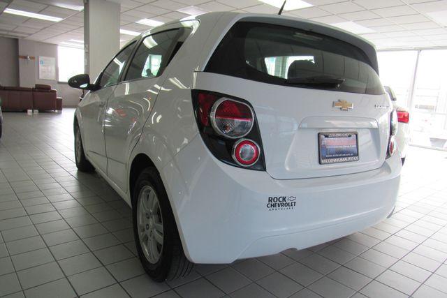 2014 Chevrolet Sonic LT Chicago, Illinois 4