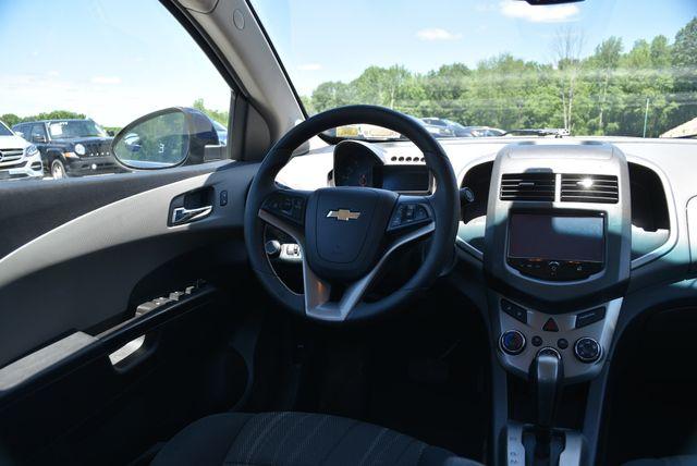 2014 Chevrolet Sonic LT Naugatuck, Connecticut 12
